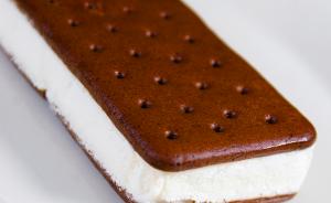 ice cream sandwich - endalldisease